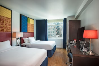Guestroom at Hotel Hayden in New York