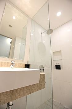 Luminor Hotel Jambi Kebun Jeruk - Bathroom  - #0