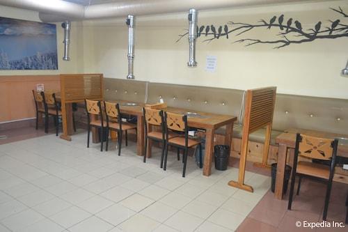 Genesis Hotel, Mabalacat