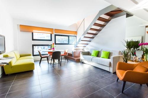 . Cosmo Apartments Sants
