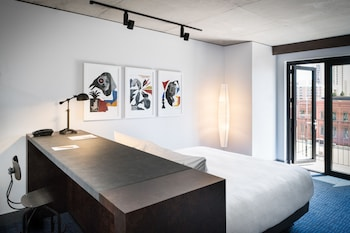 Design Room, 1 King Bed, Accessible (Journeyman)