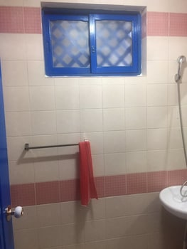 Chunja Guesthouse - Hostel - Bathroom  - #0