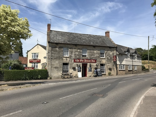 . The Old Pound Inn
