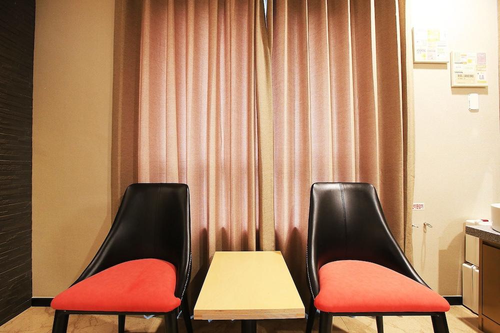 シルリム ホテル アーバン