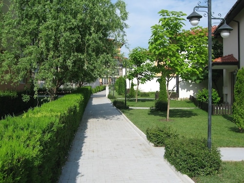 Apartcomplex Chateau Aheloy, Pomorie