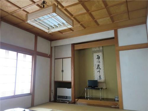 ONSEN GUESTHOUSE SAKAEYA, Shizukuishi