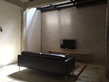 ザ フレーム ゲストハウス