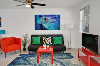 Vibrant Studio in Wynwood by Sonder photo