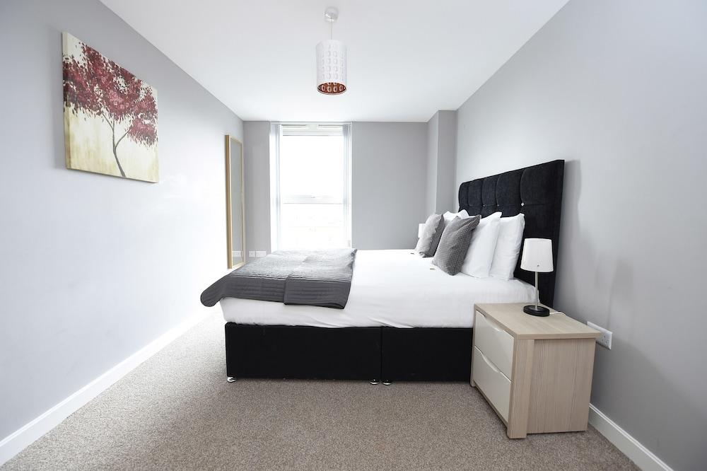 Dream Apartments - The Obel Building, Belfast