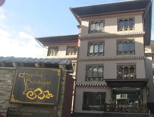 Gyelsa Boutique, Chang
