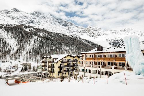 __{offers.Best_flights}__ Paradies pure mountain resort