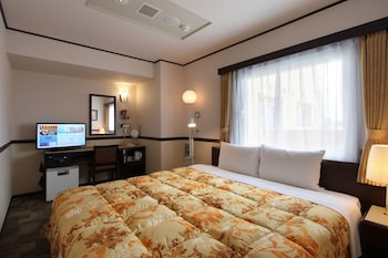 TOYOKO INN JR KOBE-EKI KITA-GUCHI Room
