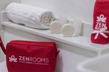 ZEN ROOMS M. VELEZ STREET Bathroom Amenities