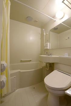 TOYOKO INN KOBE SANNOMIYA NO.2 Bathroom