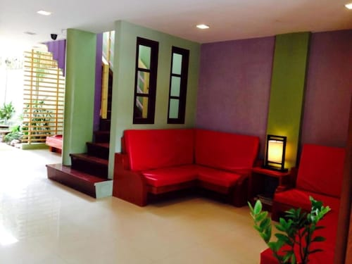 Shore Time Hotel Annex, Malay