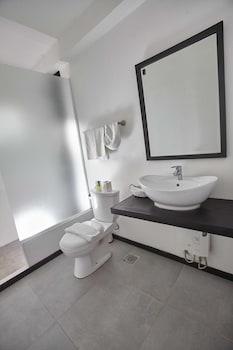 BLANCO BEACH RESORT Bathroom