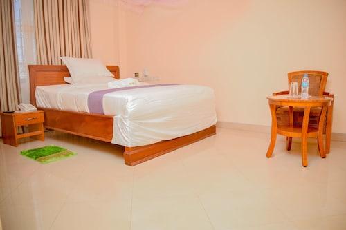 Silver Paradise Hotel, Kinondoni