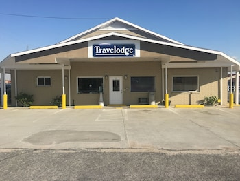 Travelodge by Wyndham Orangeburg photo
