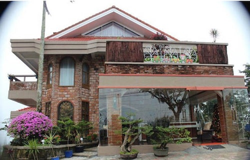 F8 Bed and Breakfast, Tagaytay City
