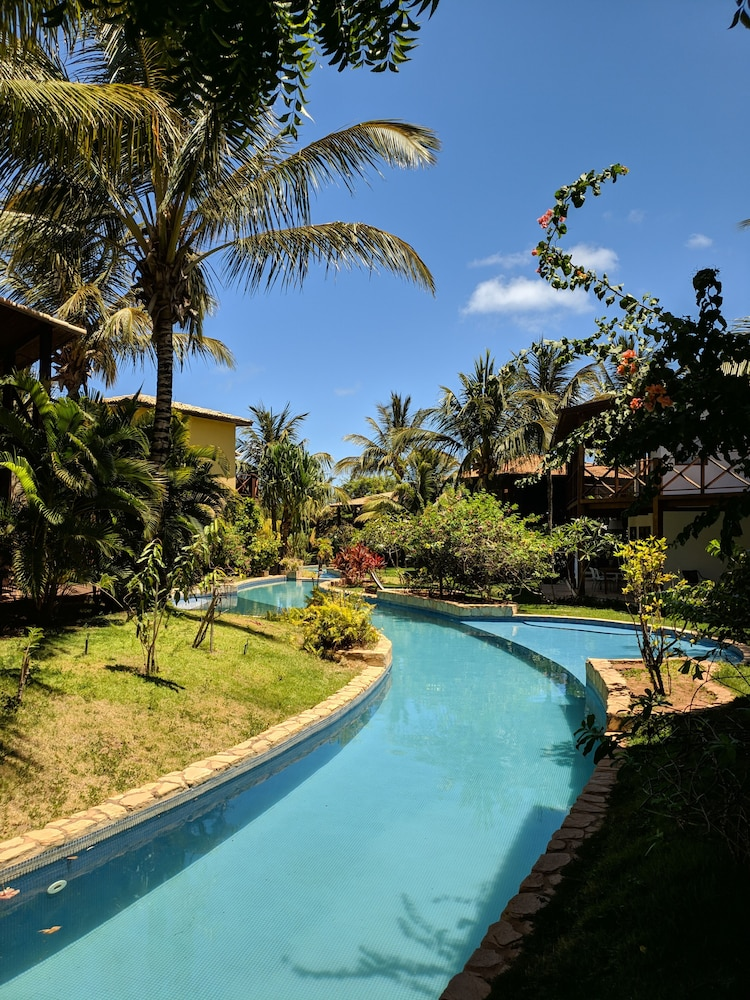 https://i.travelapi.com/hotels/18000000/17400000/17394800/17394748/2bd27379_z.jpg