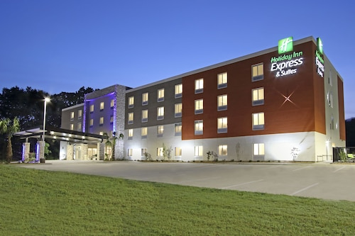 . Holiday Inn Express & Suites Columbus North