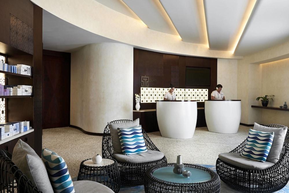 https://i.travelapi.com/hotels/18000000/17400000/17398500/17398490/0dfe3339_z.jpg