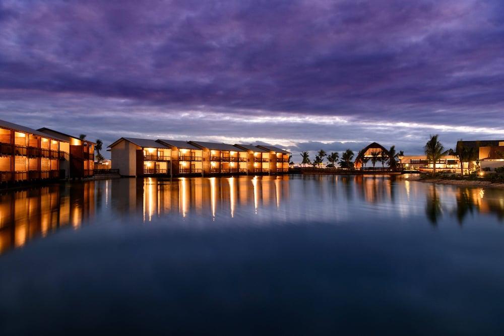 https://i.travelapi.com/hotels/18000000/17400000/17398500/17398490/0f31587b_z.jpg