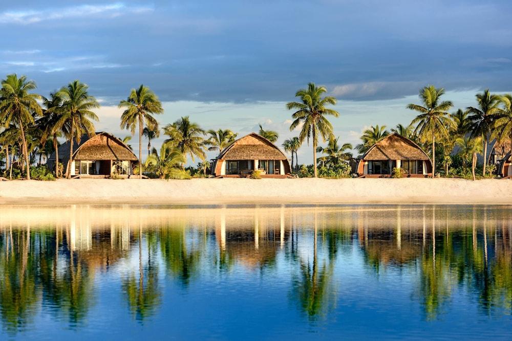 https://i.travelapi.com/hotels/18000000/17400000/17398500/17398490/450f75c6_z.jpg