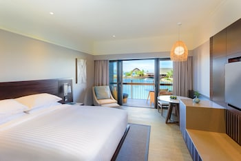 Deluxe Room, 1 King Bed, Balcony (Lagoon Front)
