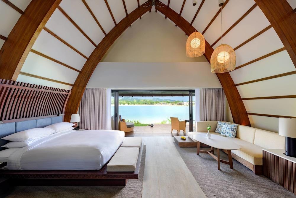 https://i.travelapi.com/hotels/18000000/17400000/17398500/17398490/7a5de566_z.jpg