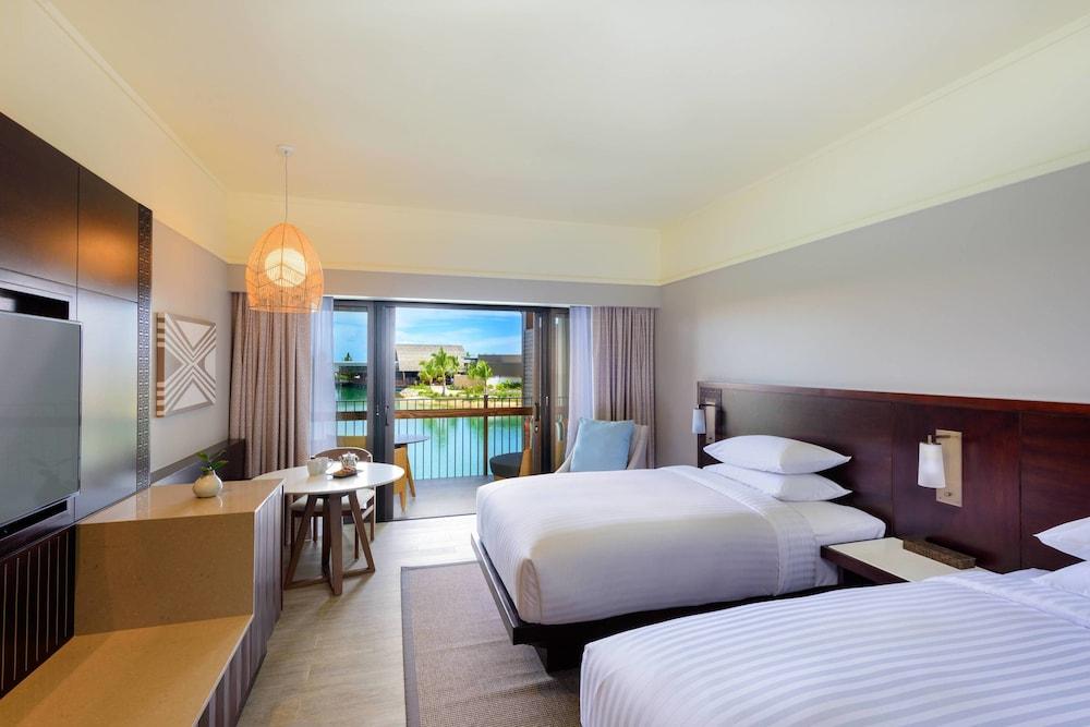https://i.travelapi.com/hotels/18000000/17400000/17398500/17398490/eb06262e_z.jpg