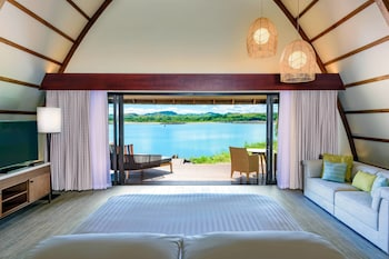 Royal Villa, 1 King Bed, Lagoon View (Lagoon Bure)