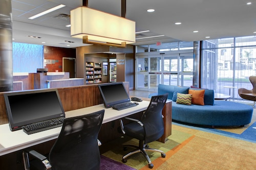 Fairfield Inn & Suites by Marriott Bakersfield North/Airport, Kern