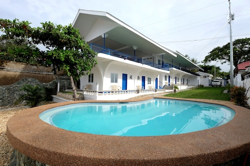 Pescadores Seaview Suites, Moalboal