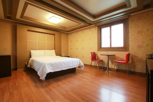 Hotel Charmant Suwon, Suwon