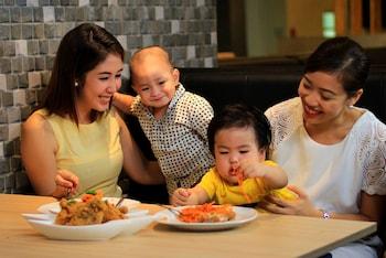 HOTEL ESTRELLA Family Dining