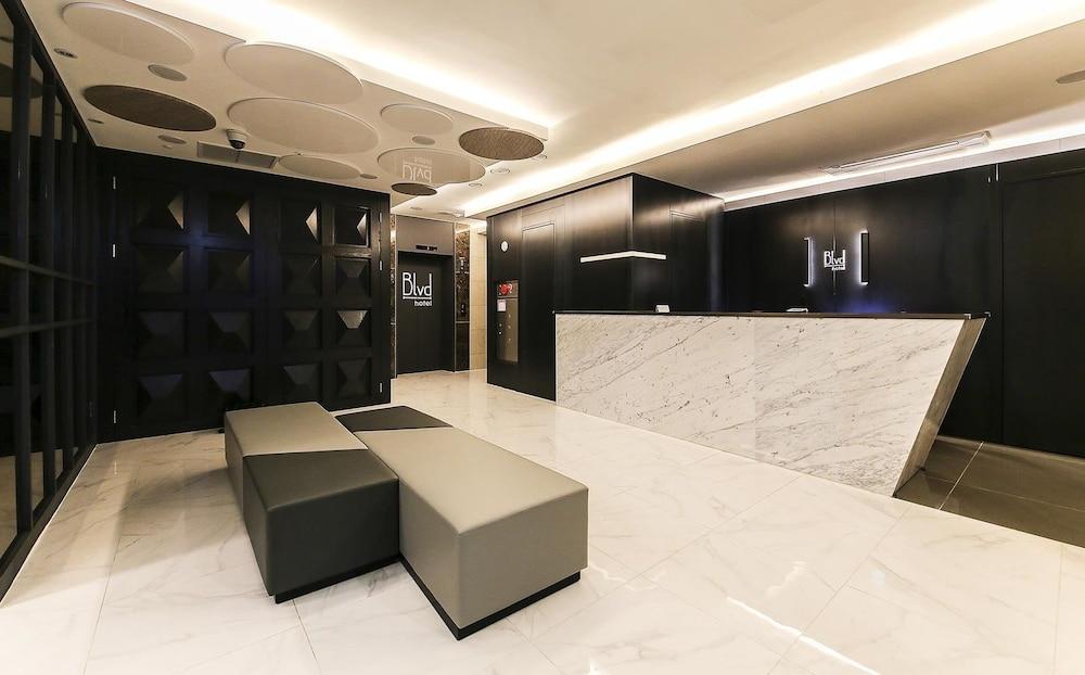 ブルバード ホテル