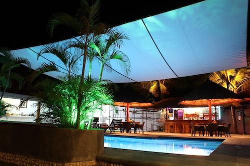 Parrot Resort Moalboal, Moalboal