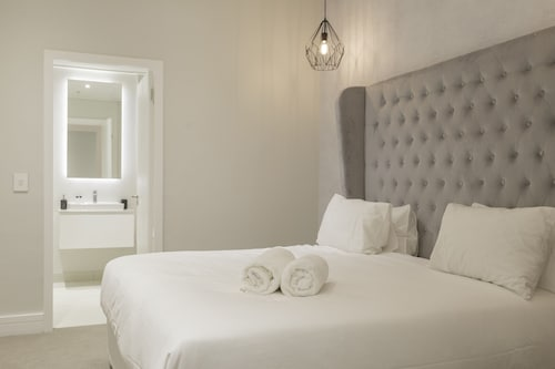Triangle Luxury Suites by Totalstay, City of Cape Town