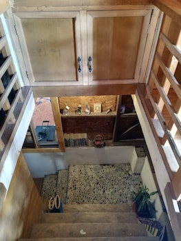 TRIBUHAUS BACKPACKERS INN Staircase