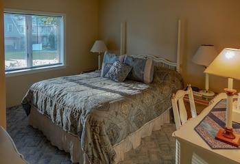 Hotel - Maple Springs Lake Side Inn
