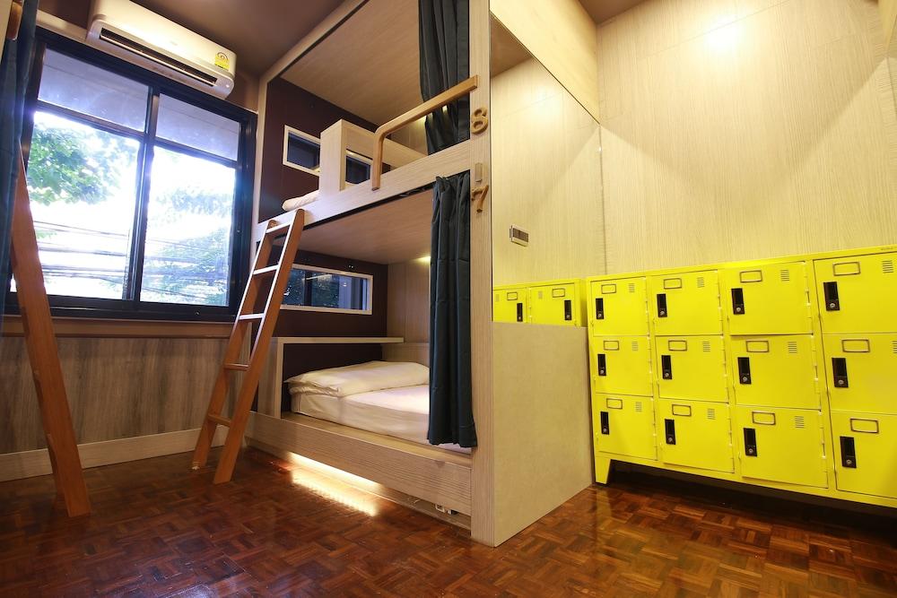 168 ホステル
