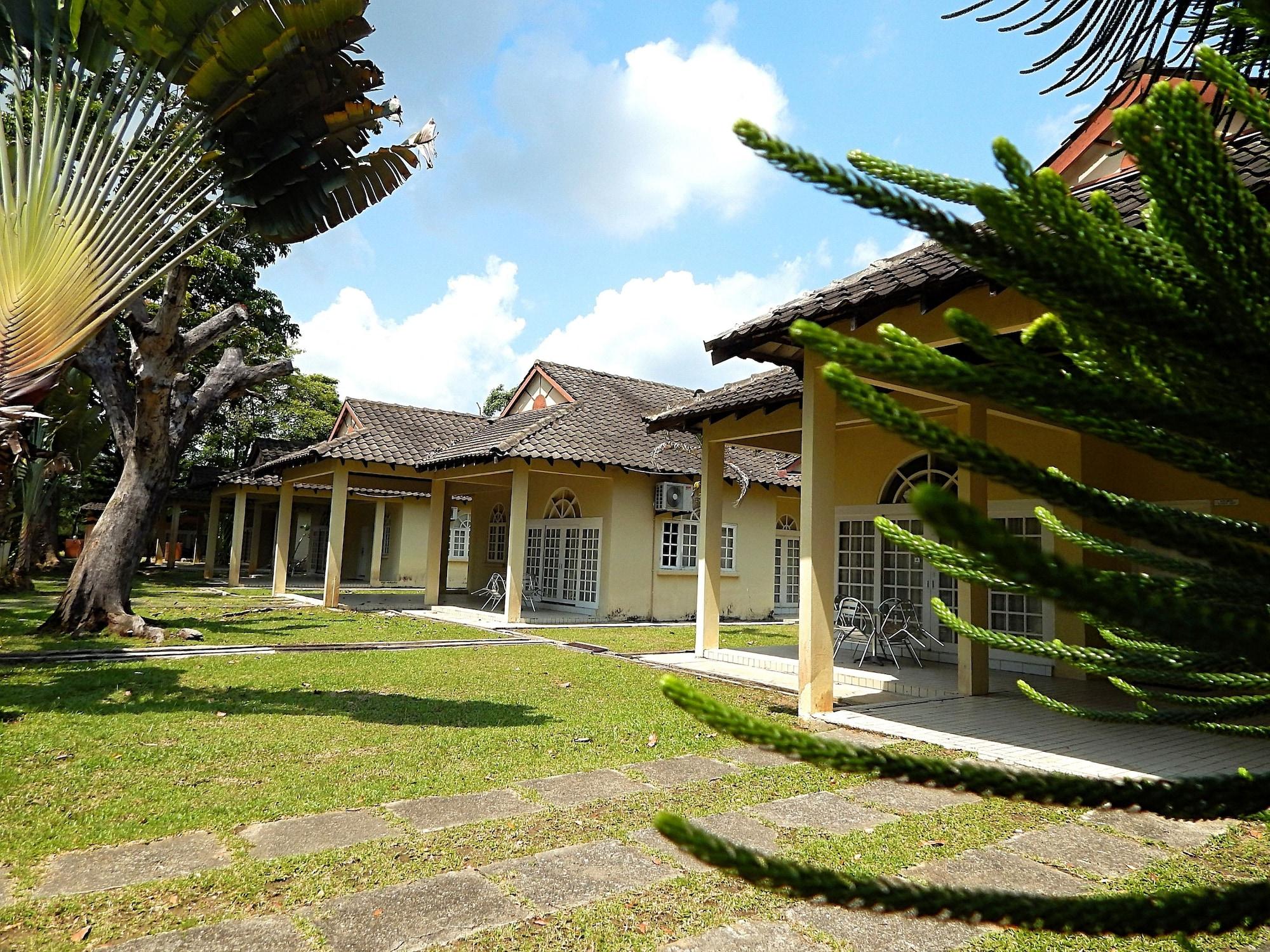 Rumbia Resort Villa Paka, Dungun