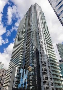 Applewood Suites - Luxury 3 BDRM photo