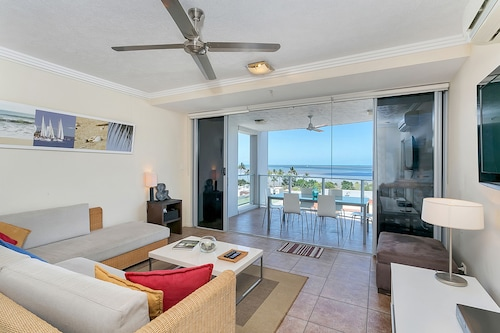 Centrepoint Apartments Cairns, Cairns  - City