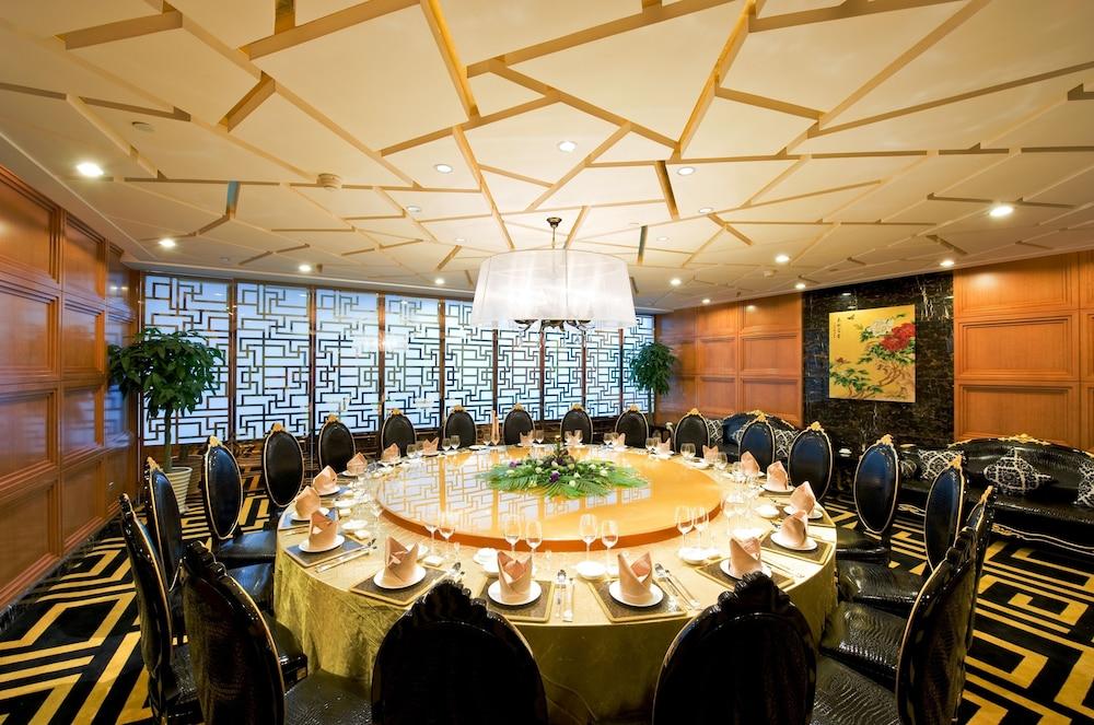golden eagle restaurant - 1000×663
