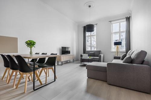 Szczecin - Aparthotel Platinum - z Krakowa, 3 maja 2021, 3 noce