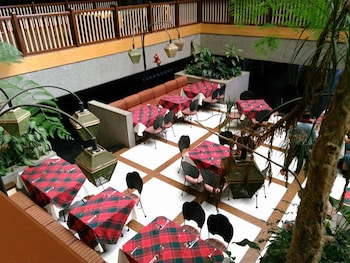 GREEN VALLEY BAGUIO HOTEL AND RESORT Dining