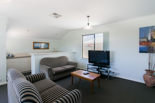 Seahaven Villas by Rockingham Apartments, Rockingham