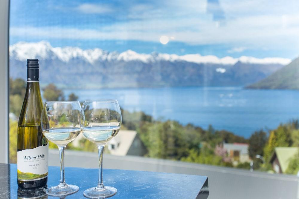 Gemini Lake View Villa